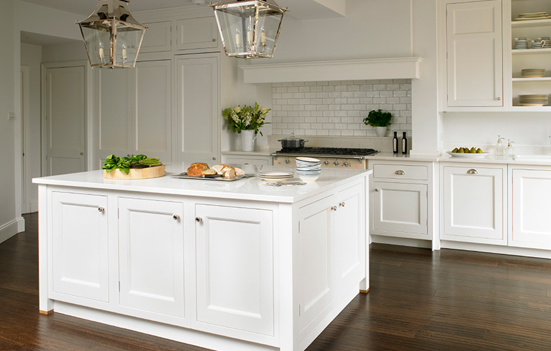 Wandworth Kitchen in New England Style