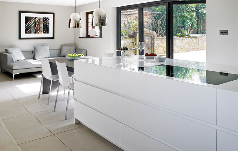 Wimbledon kitchen design - island, dining and seating area