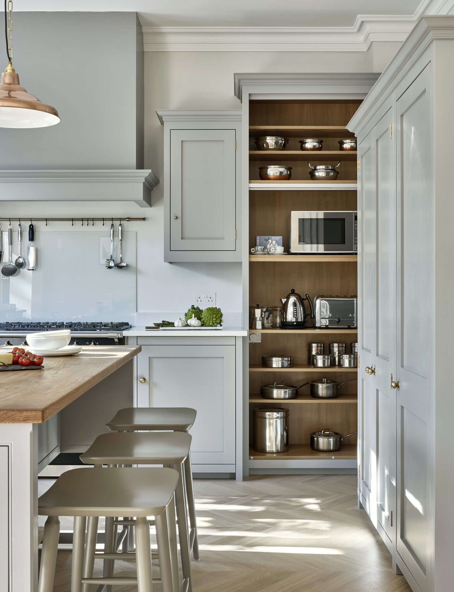 Light Grey Surbiton Kitchen with bespoke small appliances cabinet with light oak interior
