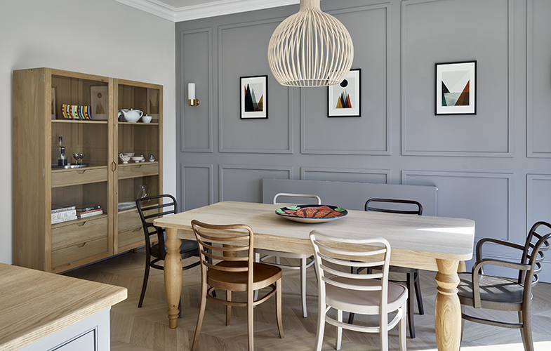Surbiton kitchen dining area with bespoke wall panels and herringbone flooring
